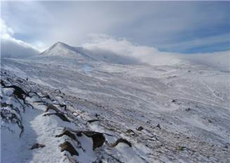 Approach to Northern Corries