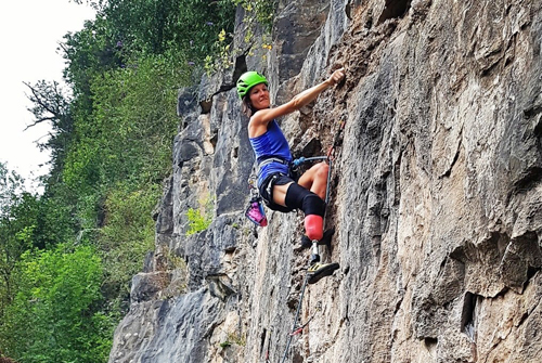 Climber with prosthetic leg cRock and Water Adventures